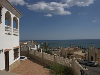 Big villa with beautiful seaview close to beach, private pool