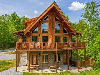 Ridge View Lodge: Gatlinburg~Pigeon Forge~Smoky Mountains TN~(5 bd/3.5ba)