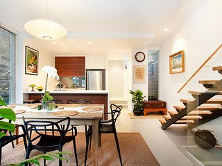 Quiet Family Home With Garden Courtyard Near Cafes