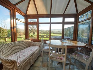 The Stable with Private Hot Tub, Mid Dorset