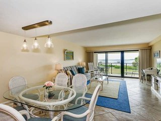 Beautiful Views-Budget Friendly Condo Between the Beach and the Bay-Community Po