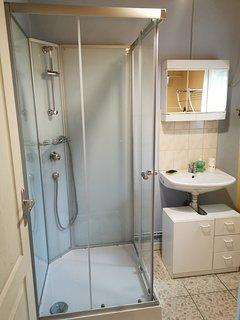 salle d'eau:   nouvelle cabine de douche! (2020)