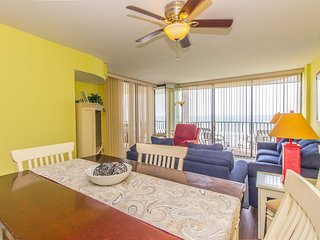 Total Seaclusion~Oceanfront 3 BR Paradise Suite~401