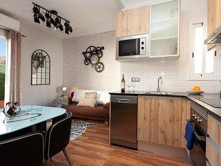 Apartment Gira-sol terraced attic 2 bedrooms central bright