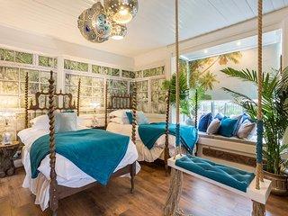 Beach Sun Home Guaranteed 'Sunshine' 24/7 with sauna, cinema and boutique rooms