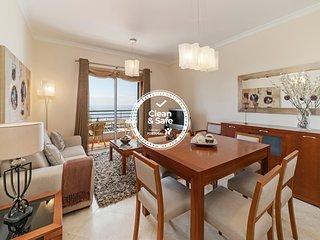 Ajuda III, apartment with sea view.