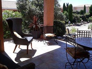 Fitou Mediterranean Villa Sleeps 4, Full Air Con, Terrace, 3 Pools & Parking