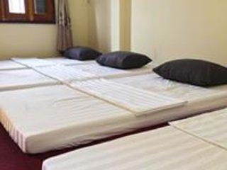 Ha Giang Paradise Hostel & Tours, casa vacanza a Quan Ba