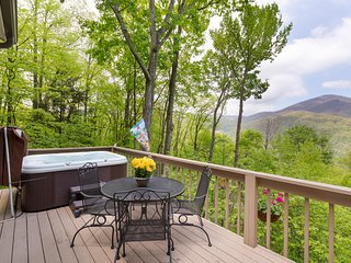 Available Now - Bella Vista -Very Clean-View-Hot Tub Great Rviews