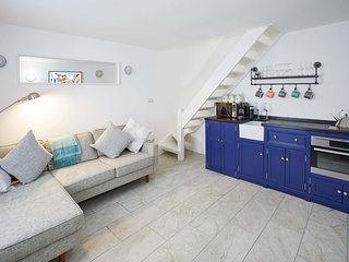 Host & Stay | Harbour Cottage