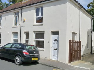 3-Bed house in Sittingbourne, DW Lettings, 30BR