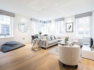 Romilly Street,  Splendid home by LOVELYDAYS