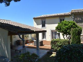 Superb Gite - Olive Tree Cottage