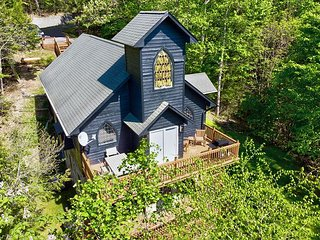 Foxfire Lodge | Quiet Cabin with Hot Tub & Game Room