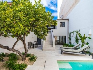 Can Montis - house with private swimming pool in Palma