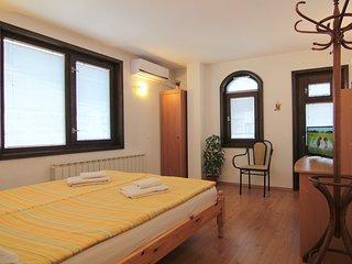 140m2 Comfort 3 bedroom *ECO* apartment MILCHEVI - Quiet center