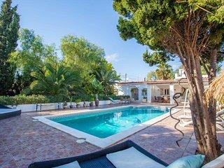 Nice villa near Playa den bossa / Salinas, IBIZA (license ET0360E)