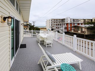 NEW LISTING! Dreamy beach getaway w/ multiple decks just steps from the sand!