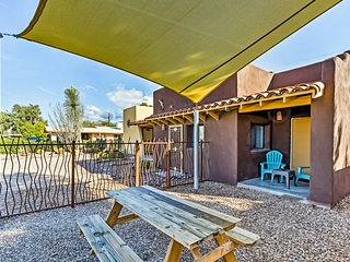 New listing! Delightful desert retreat w/ enclosed yard & great location!