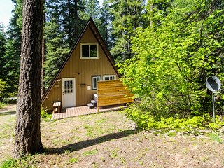 New listing! Cozy A-frame cabin with private hot tub, great location - dogs OK!