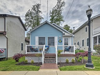 NEW! Coastal Pet-Friendly Cottage <1/2 Mi to Beaches