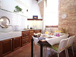 Classic Old Town apartment Valencia