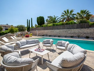 VANEAU ☀️ SUBLIME NEW CONTEMPORARY VILLA 300 M2-POOL-PARKING!