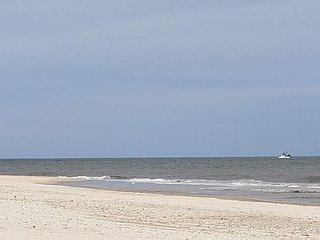 New Hampton 3BR walk to Town Village 3 miles to beach