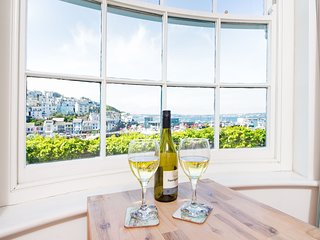 Coral - King Street Brixham - Luxurious 2 bed holiday apartment on Brixham harbo