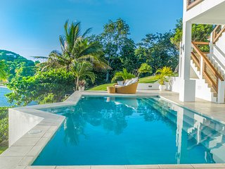 Stunning Luxury Waterfront Villa In Grenada