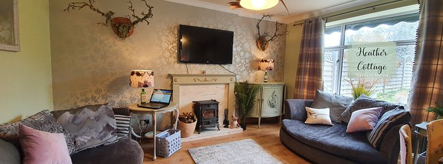 Luxury, fully furnished,  serviced cottage in peaceful location; pet friendly; free fibre-optic WiFi