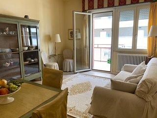 Elegante appartamento con terrazzo vista mare
