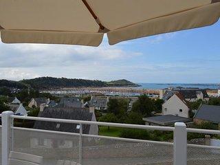 Ar C'hreiz villa classée 4**** vue mer plage à pied, Wi-fi jardin et parking