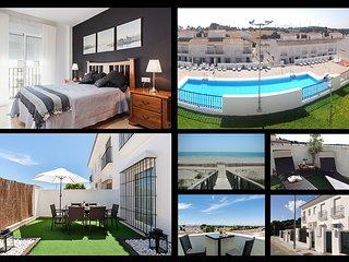Lujoso chalet con piscina, terrazas y parking