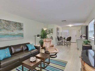 Newly Listed! Walk To Downtown Sarasota, Dining & Nightlife - Near Gillespie Par