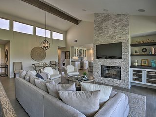 NEW! Luxe Golf Course Haven w/Patio in Palm Desert