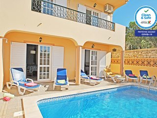 AMAZING VILLA WITH SEA VIEW, PRIVATE HEATABLE POOL, AIR CONDITIONING & BBQ