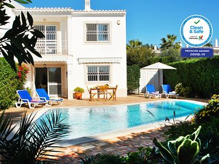 CHARMING VILLA WITH PRIVATE POOL, AIR CON, BBQ AND Wi-Fi