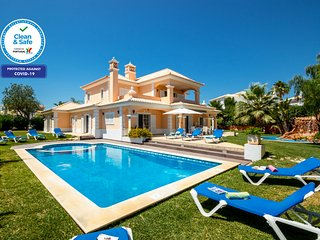 FANTASTIC VILLA W/ HEATABLE SWIMMING POOL