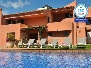 GORGEOUS VILLA, W/ A PRIVATE HEATABLE POOL, WIFI, CLOSE TO ALL AMENITIES, NEAR