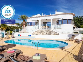 WONDERFUL VILLA & LOCATION W/ PRIVATE HEATABLE SWIMMING POOL, FREE WIFI, & A/C