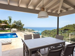 Lujo con jacuzzi,piscina y playa privada