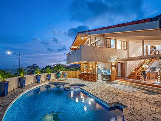 Luxury estate w/incredible ocean views, heated pool & hot tub, Maluhia Hale