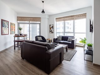 2BR with Sea Views from the 59th floor - Sleeps 4!