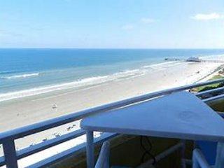 DECEMBER 20 - 23 - Daytona Beach - Ocean View - 25 Steps to the Beach!