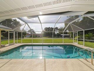 Huge ❤ Pool, Close to Beaches, Restaurants & Shops