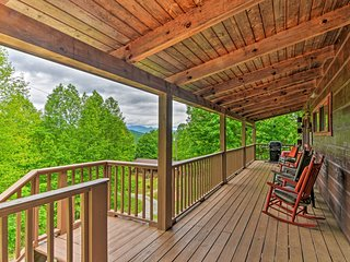 Bryson City Cabin w/ Private Hot Tub & Pool Table!