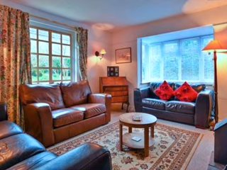 Self Contained Cottage in Historical Village
