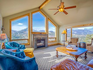 Mapes Vacation Rental Home at Windcliff