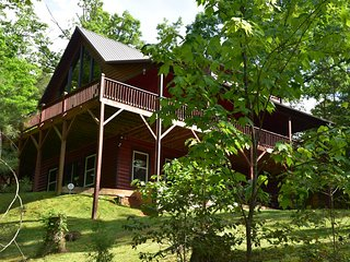 Awesome Views/8 Min To Casino/Cabin/Refundable Dep/Hot Tub/Firepit/Paved Drive
